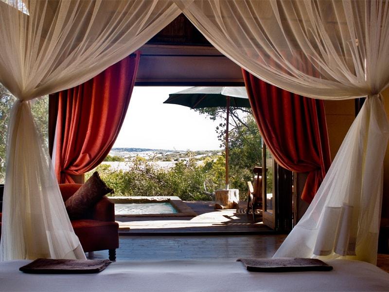 Eastern_Cape_Safari_greater_Addo_accommodation_Amakhala_Game_reserve_Bush_Lodge_Interior_Room_View-min